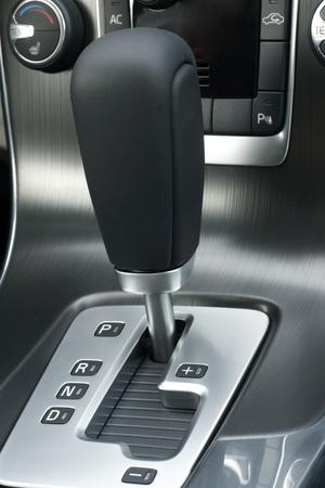 Automatische Gangschaltung eines Autos, eine vertikale Bild