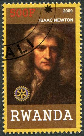 gravedad: RUANDA - CIRCA 2009: Un sello impreso en la República de Ruanda muestra el retrato de Isaac Newton (1642-1727), alrededor del año 2009