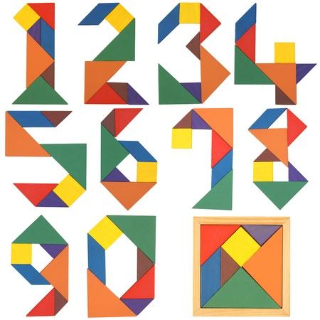 signos matematicos: N�meros de serie, tangram. Aislado en un fondo blanco. Foto de archivo
