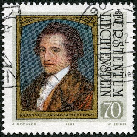 LIECHTENSTEIN - alrededor de 1981: Un sello impreso en liechtenstein muestra retratos de Goethe (1749-1832), por Angelica Kauffmann, la serie Los visitantes famosos a Liechtenstein (Pinturas), alrededor de 1981
