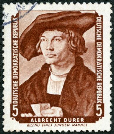 durer: GERMANIA - CIRCA 1955: Un timbro stampato in Germania mostra Ritratto di giovane uomo, di Albrecht Durer (1471-1528), circa 1955 Editoriali