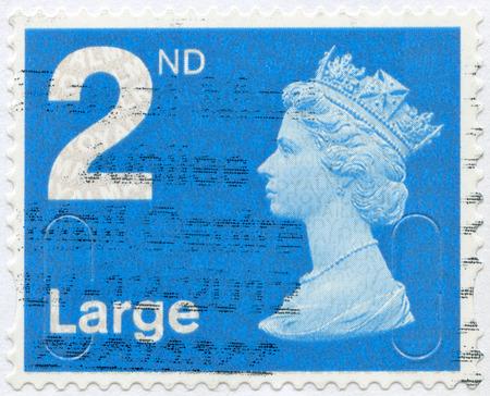 britan: UNITED KINGDOM - 2012  A stamp printed in United Kingdom shows Portrait of Queen Elizabeth II, circa 2012 Editorial
