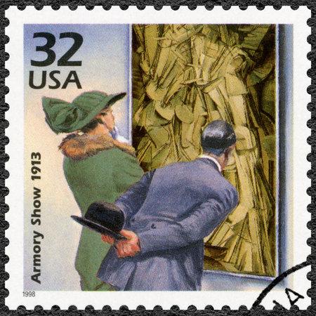 introduced: ESTADOS UNIDOS DE AMERICA - CIRCA 1998: Un sello impreso en los EE.UU. dedicado arte Avantgarde introducido en Armory Show de 1913, serie Celebre el siglo, d�cada de 1910, alrededor del a�o 1998