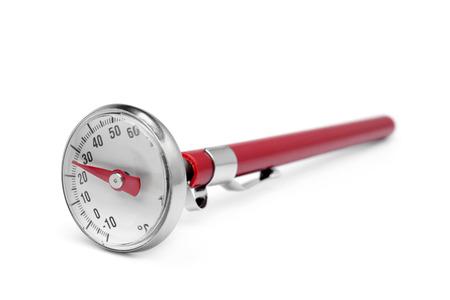 termómetro: Termómetro de cocina en el fondo blanco Foto de archivo