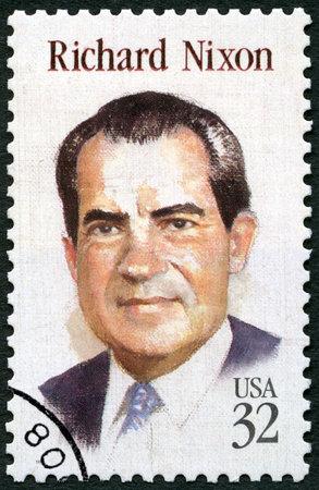 UNITED STATES OF AMERICA - CIRCA 1995: A stamp printed in USA shows portrait of Richard Milhous Nixon (1913-1994), 37th President of USA, circa 1995 Redactioneel