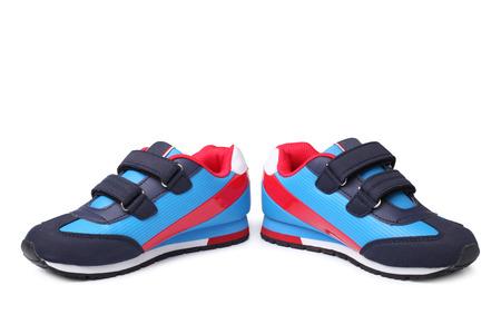 Bebé calzado deportivo par en el fondo blanco Foto de archivo - 40699841