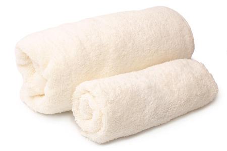 bañarse: Toallas de baño en el fondo blanco