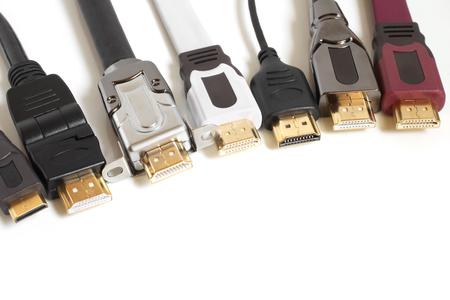 HDMI kabels op een witte achtergrond Stockfoto