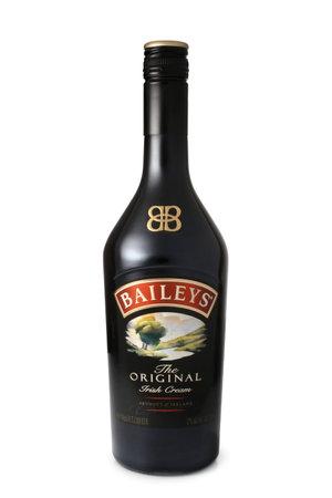 baileys: ST. PETERSBURG, RUSSIA - April 30, 2016: Bottle of Baileys Irish Cream, Original, Ireland