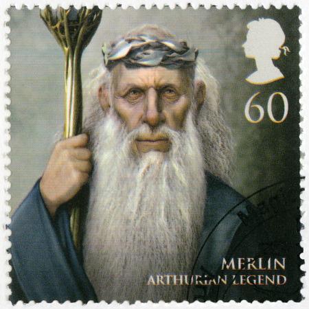 mago merlin: Gran Breta�a - alrededor de 2011: Un sello impreso en Gran Breta�a muestra el retrato de Merlin, la leyenda art�rica, la serie Magical Realms, alrededor del a�o 2011