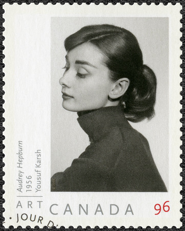 CANADA - CIRCA 2008: A stamp printed in Canada shows Audrey Hepburn (1929-1993), Actress, circa 2008 Редакционное