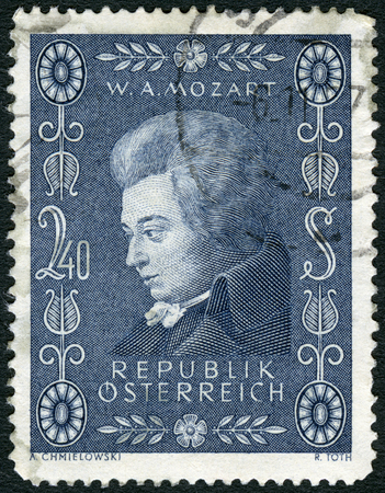 wolfgang: AUSTRIA - CIRCA 1956: A stamp printed in Austria shows Wolfgang Amadeus Mozart (1756-1791), composer, circa 1956 Editorial