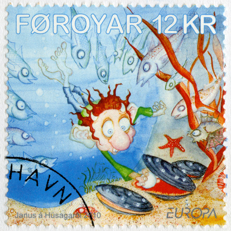 poststempel: FAROE ISLANDS - CIRCA 2010: A stamp printed in Faroe Islands shows Europa, Children books, circa 2010