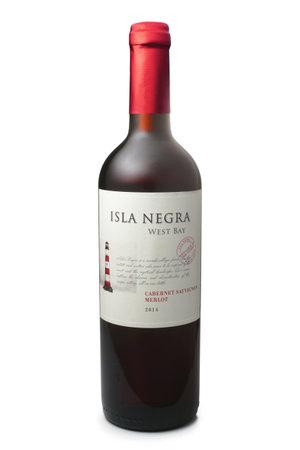 sauvignon: ST. PETERSBURG, RUSSIA - NOVEMBER 30, 2016: Bottle of Isla Negra West Bay, Cabernet Sauvignon - Merlot, Chile, 2014