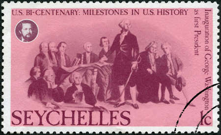 SEYCHELLES - CIRCA 1976: A stamp printed in Seychelles shows George Washington (1732-1799), Inauguration first president,  American Bicentennial, circa 1976 新闻类图片