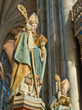 canterbury: Les Statues � la cath�drale de Canterbury