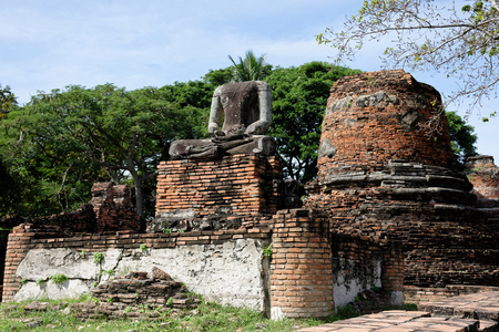 Another photo from the interesting ruined statue and pagodas around Wat Phra Si Sanphet.