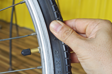 to check bicycle tire
