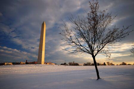 washington monument in washington DC in snow