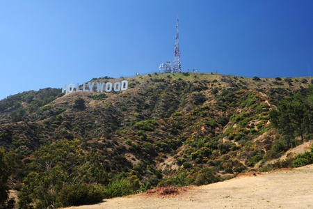 the closest viewpoint of mount hollywood in los angeles