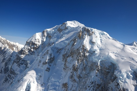 mckinley: mount mckinley cover with snow as seen from plane