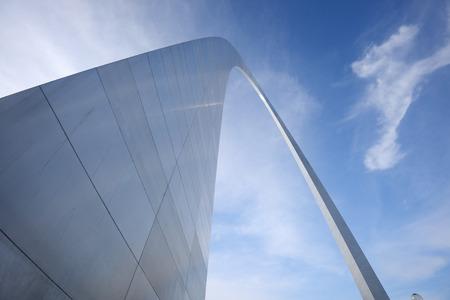 st  louis arch: gateway arch in Saint Louis with blue sky