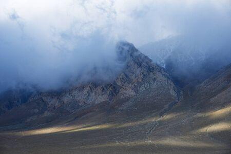 sierra snow: eastern sierra mountain