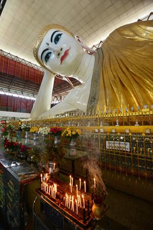 reclining buddha with big eye in yangon