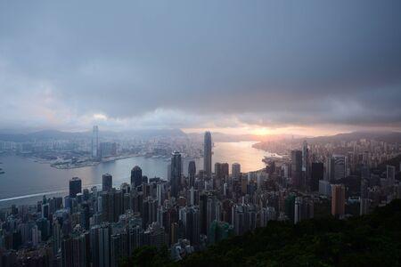 Hong kong sunrise scene from the peak Stock Photo - 137698662