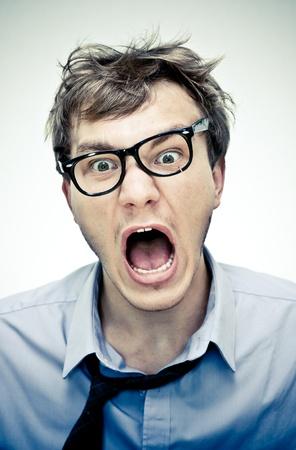 nerveux: gestionnaire folle sur fond blanc