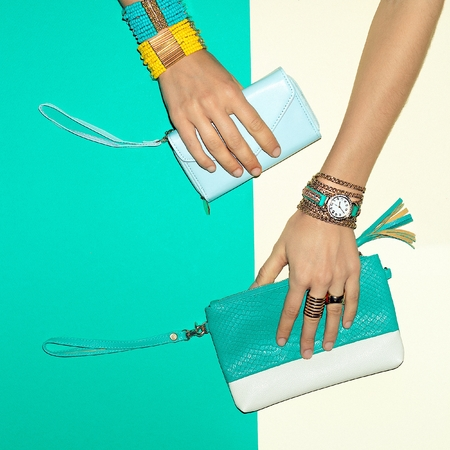 Trend Accessories. Jewelry and Clutch. Your Summer choice
