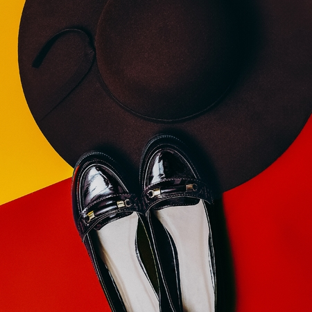 varnished: Stylish autumn season. Fashion accessories for women. Shoes and hat. Burgundy trend