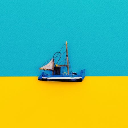 Petit bateau. Conception de style minimaliste Banque d'images - 74135380