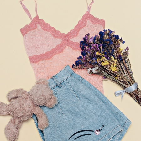 Cute outfit Denim Shorts Pink Top Happy Summer Fashion Girl Stock fotó
