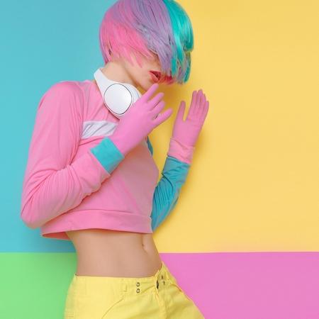 Minimal fashion Pop Art. Vanilla color. Playful girl DJ. Doll style. funny fitness vibes Zdjęcie Seryjne - 74240110