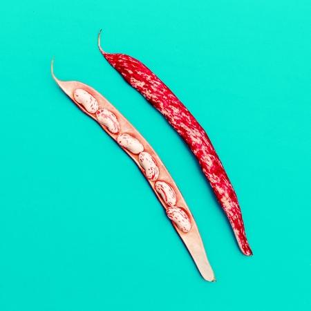 String beans Minimal art design