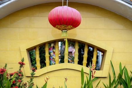 china wall: Una pared chino con la linterna Foto de archivo