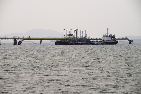 lng: ship tanker lng gas in port