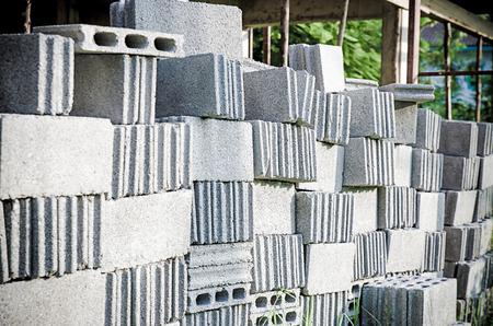 hormig�n: Pilas de piedras entrelazadas para la instalaci�n de paisajismo de v�a de acceso