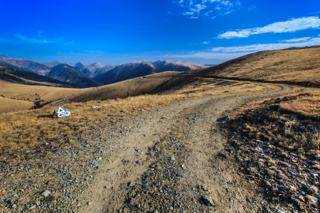 fagaras: strada di montagna rustico in montagne di Fagaras, Romania Archivio Fotografico