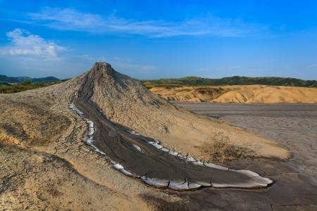 Strano paesaggio prodotte vulcani di fango attivi bu. Localit�: Buzau in Romania Archivio Fotografico