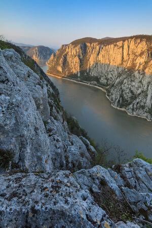 Paesaggio in Gole del Danubio. Cazanele Mari, Romania Archivio Fotografico