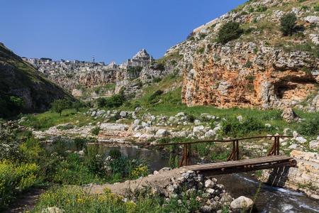 rupestrian: Matera, amazing city that lies athwart a small canyon