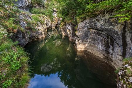 baile: Corcoaia Gorge protected area in Baile Herculane, Romania