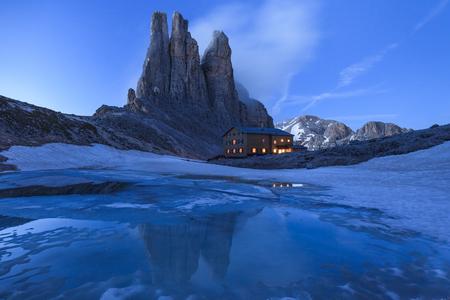 fassa: Vajolet Towers in Dolomites. Val di Fassa, Italy