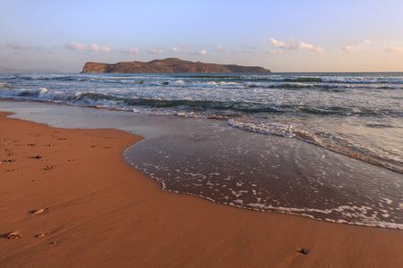 크레타 섬, 그리스에서 해변에서 일출
