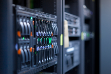 Network servers in a data center. Swallow depth of Field Stockfoto
