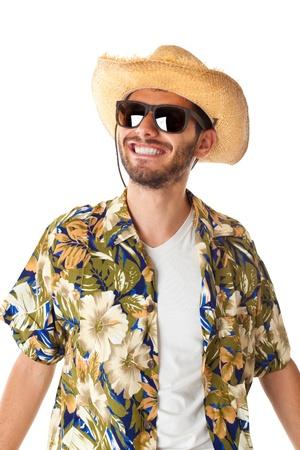 estereotipo: un joven, atractivo hombre en un traje de colores listos para viajar como turista estereotipo