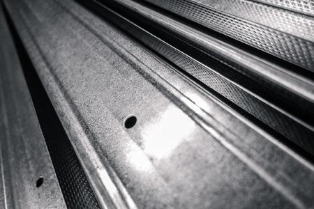 FERRETERIA: algunas varillas de acero o de aluminio con una profundidad de campo Foto de archivo