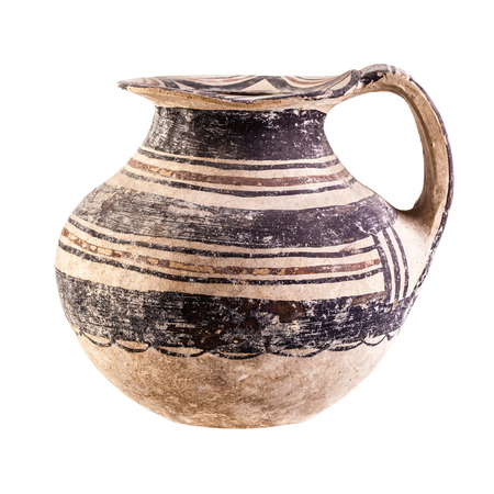 daunia: Daunian pot, Terracotta, Subgeometric or Geometric style isolated over a white background
